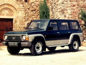 Nissan-Patrol-Y60-GR-12610